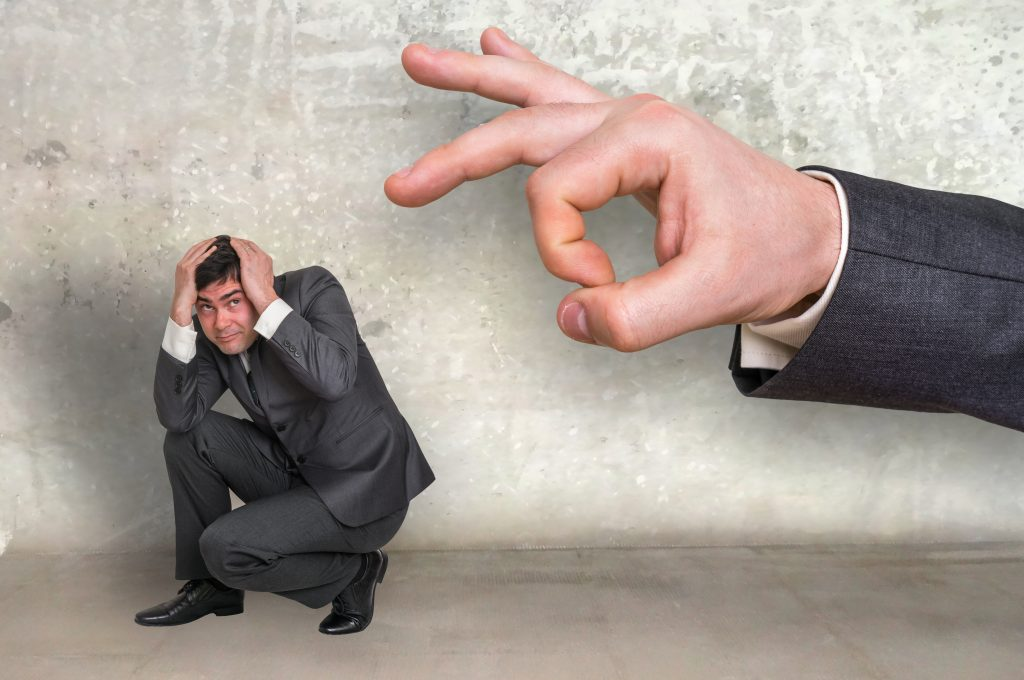 10 indicators of a bad manager